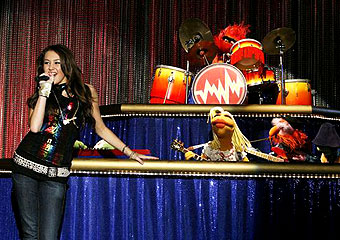 Miley Cyrus and The Electric Mayhem